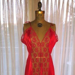 Vintage lingerie (never-worn)